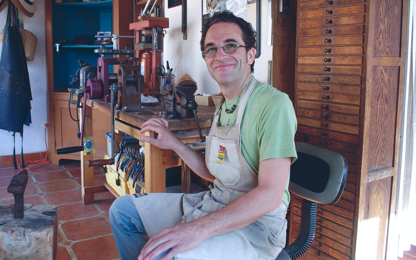 Sculptural Jewelry and Metalsmithing with Jesse