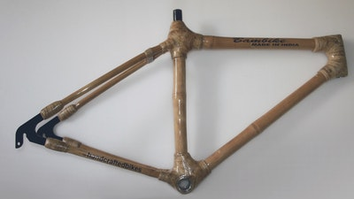 Learn how to set and finish bicycle joints with sisal or hemp fiber and resin.