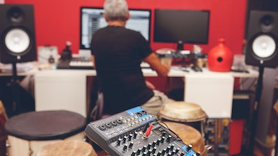 Electronic music production in the studio