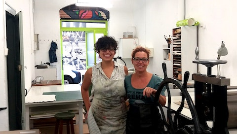 """""""Interview with Jannelle, a NYC artist, about printmaking & traveling to Europe   Read the full story on the VAWAA blog  #vawaa #art #artist #printmaking #barcelona #europe #travel """""""