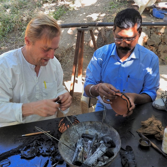 Steve working alongside VAWAA master Suresh.