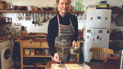 Focus on the history of food and cook with master chef and archeologist Ursula.