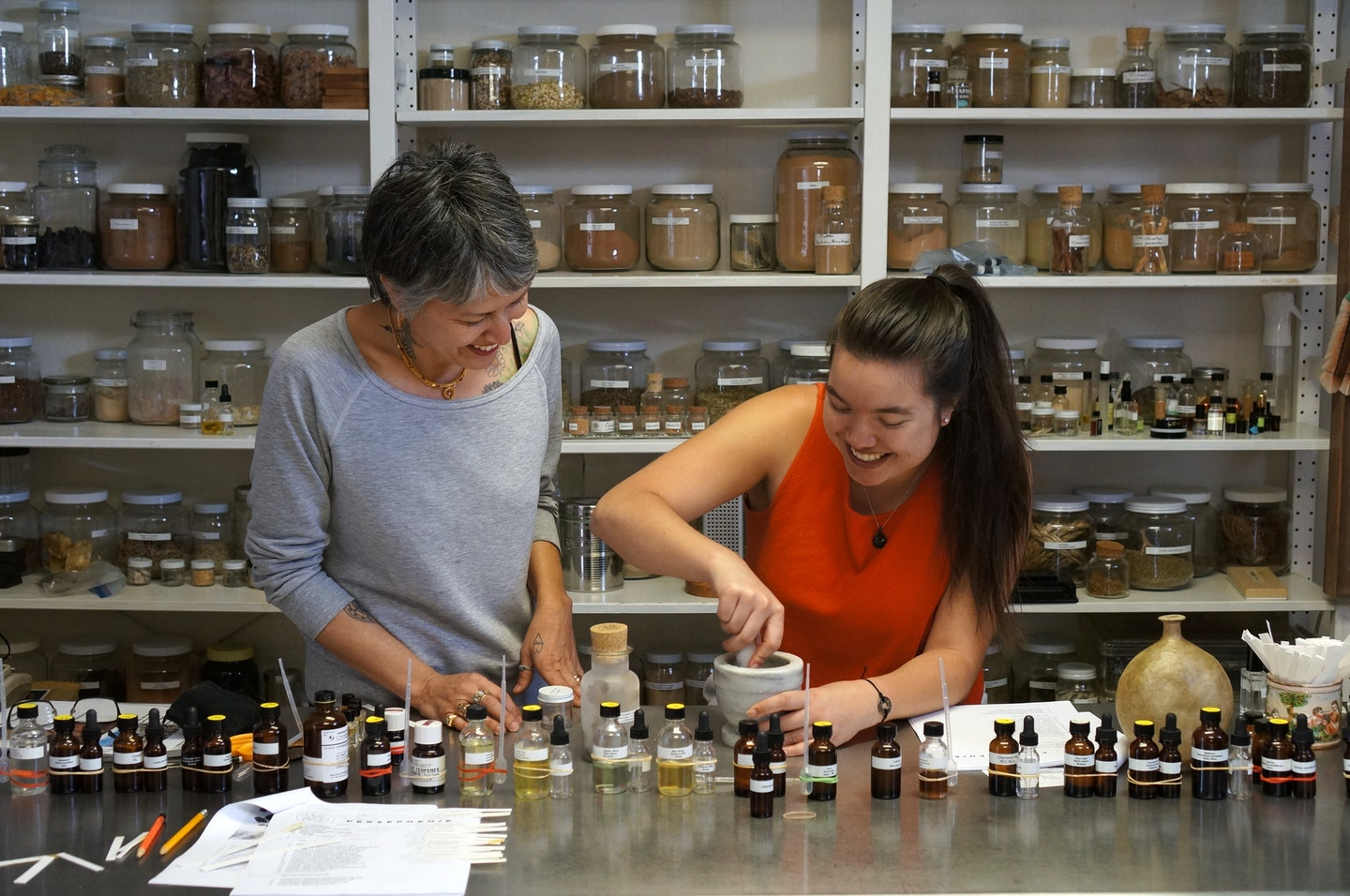 """Introduction to the world of natural perfume-making  Ever wondered how to make a natural perfume? We did too, and we're telling our story on the blog: How we learned natural perfume making from Persephenie Los Angeles based master.  #vawaa #art #artist #perfume #fragrance #creativevacation #losangeles #learn #makers"""