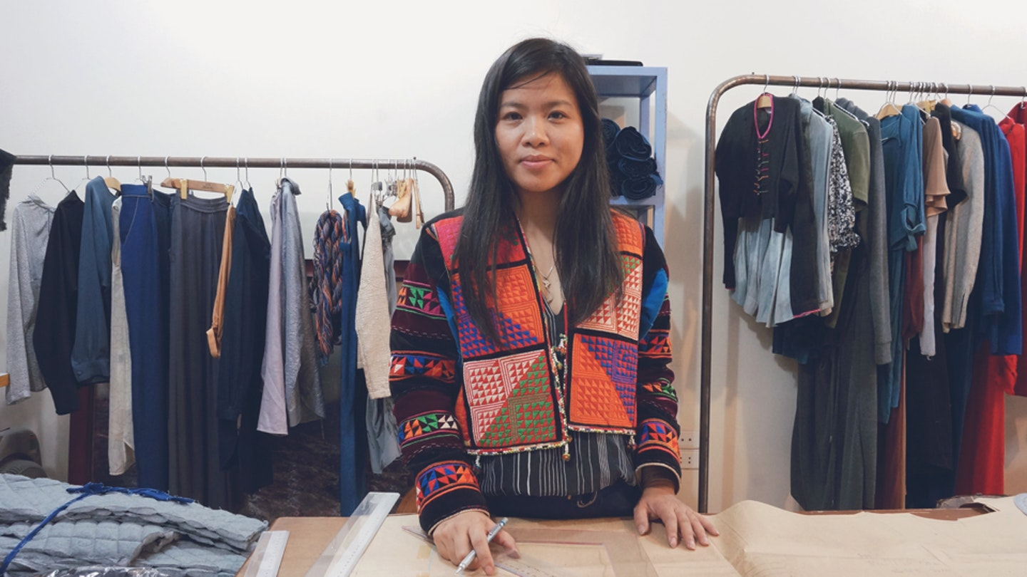 Learn textile natural dyeing with Thao in Vietnam.