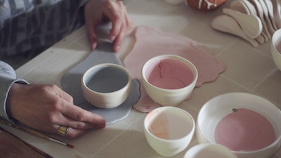 Learn how to make beautiful ceramic bowls and vases for your kitchen & home with Anastasia, a Spanish Ceramic Artist Living in Majorca. #creativevacation #vawaa #discoverspain #claypottery #europe #spain #ceramicsidea #claycrafts #ceramicart #art #creativity #homedecor