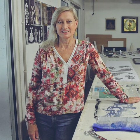 Learn textile printing with Andrea in her studio in Bayonne, France.