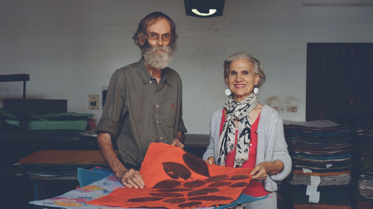 Make handcrafted paper with Luisa & Herve
